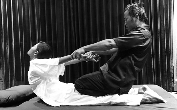 Royal Thai Touch Stretching Massage